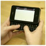 apple_iphone4_slider_bluetooth_keyboard_user_lg