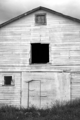 blackwhitebarn