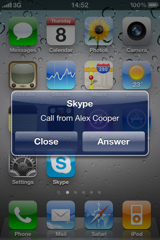 Skype Updated to 2.1, Runs in Background